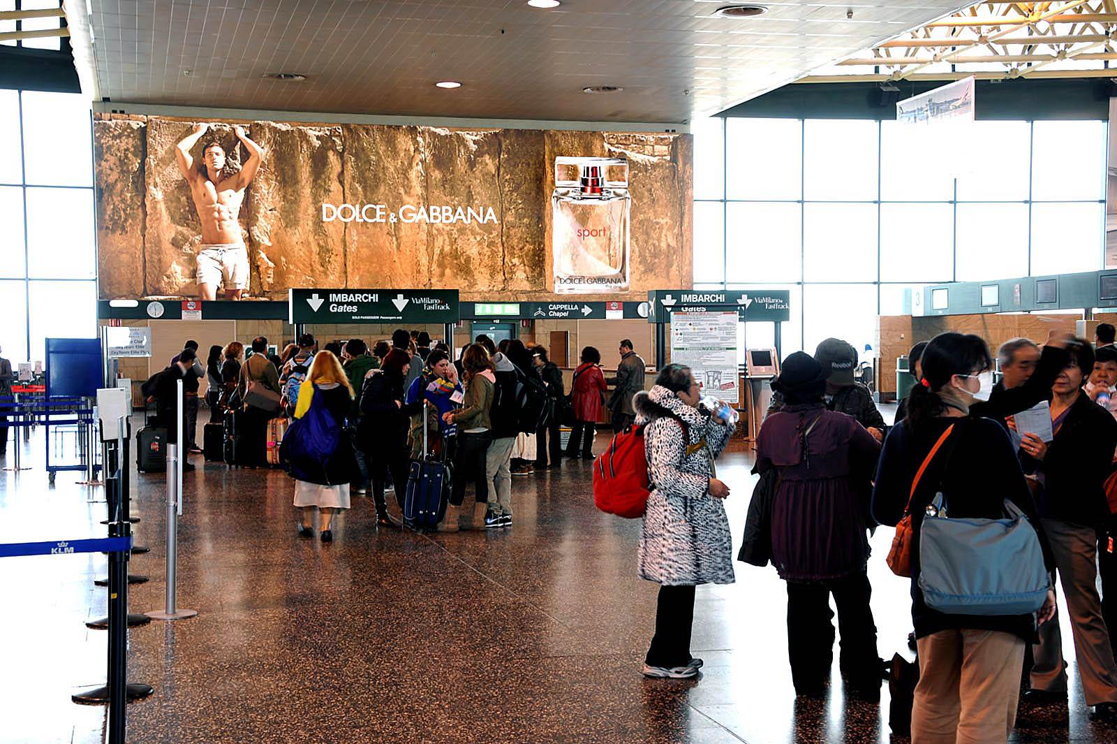 Cartellonistica e Affissioni in Aeroporto